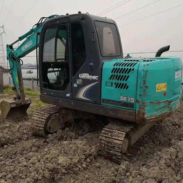 反铲挖掘机