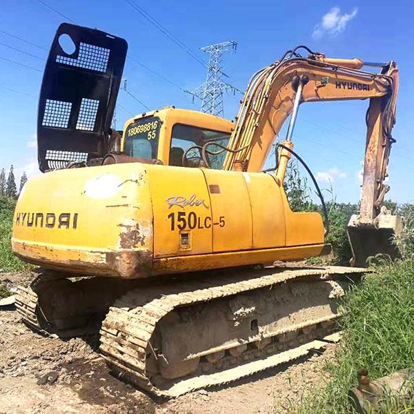 黄色挖掘机